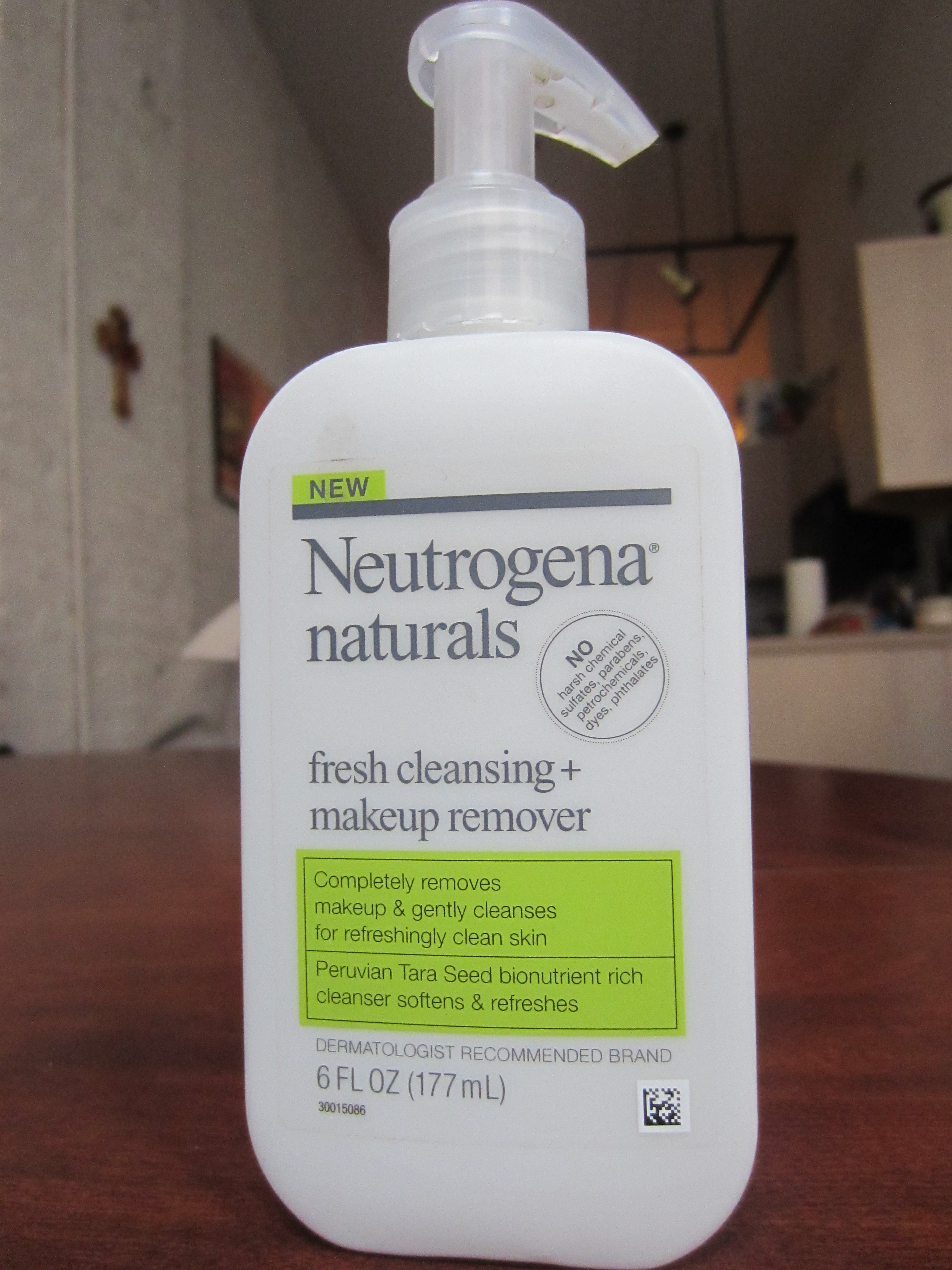 Makeup Removal Important Skin Care Routine: Neutrogena Naturals Cleanser And Makeup Remover Review